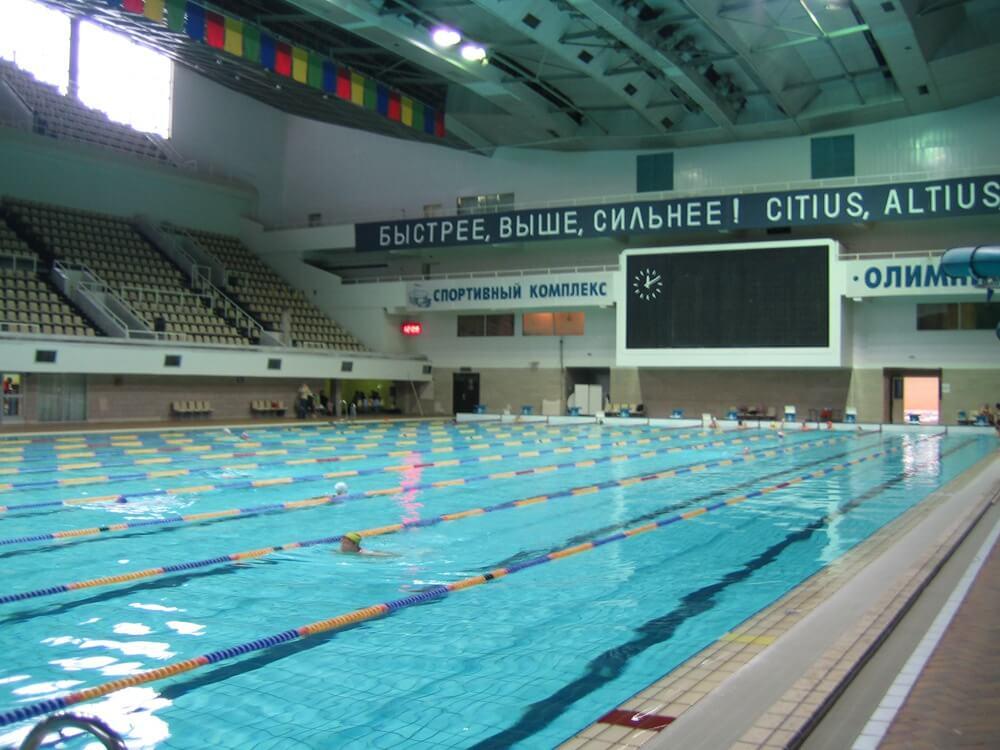 Естественное освещение и акустика бассейнов