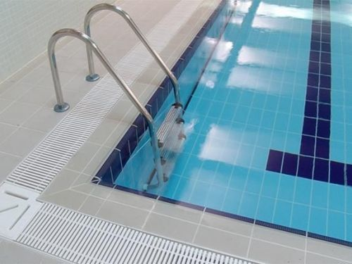 обходные дорожки бассейнов